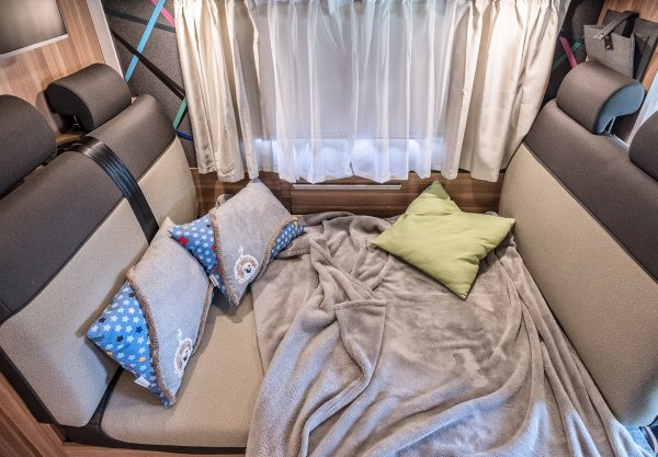 cama autocaravana caracore 700DG